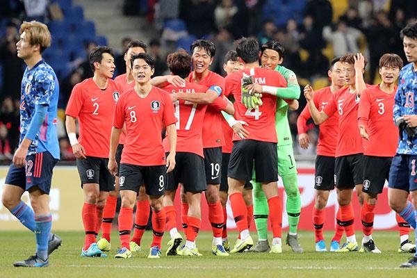 サッカー韓日戦 韓国代表チームが日本到着