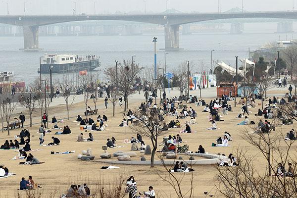 韩新增382例新冠病例 现阶段保持社会距离措施延长2周