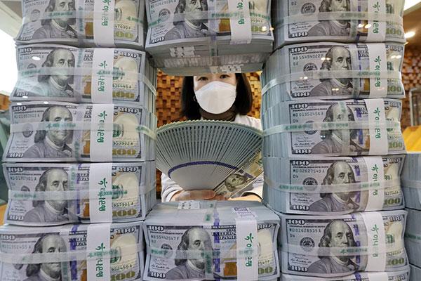 Валютные резервы РК достигли рекорда