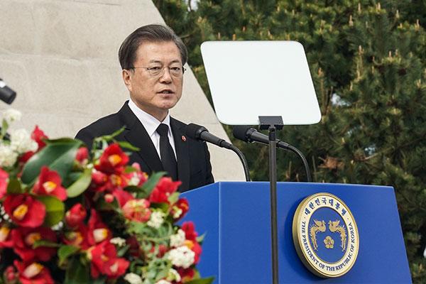 Президент РК призывает прилагать усилия для дальнейшего развития демократии