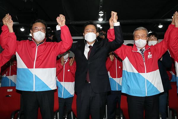 (快讯)4.7再选补选出口调查:国民力量党领先 吴世勋59.0%、朴亨埈64.0%