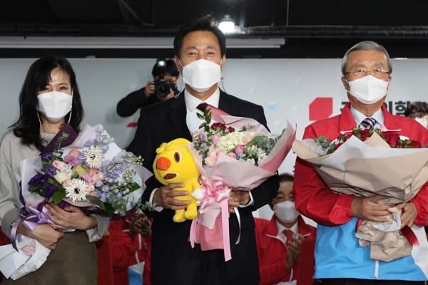 韩执政党首尔釜山市长补选惨败 吴世勋横扫首尔25区
