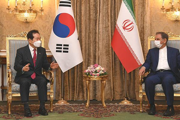 韓国国務総理がイラン副大統領と会談 凍結資金の問題で議論