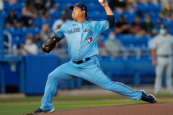 Blue Jays' Ryu Scores Season's First Win against Yankees