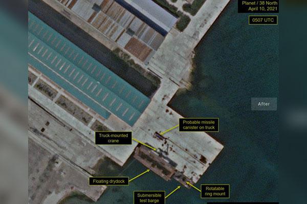38 North : la barge du chantier naval nord-coréen de Sinpo de nouveau dans sa position initiale