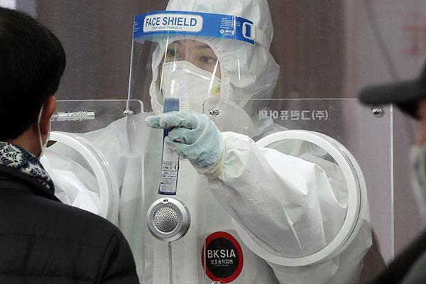 تسجيل 549 حالة إصابة جديدة بفيروس كورونا في كوريا