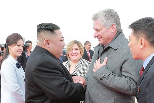 Chủ tịch Kim Jong-un ba ngày liên tiếp gửi điện mừng tân lãnh đạo đảng Cộng sản Cuba