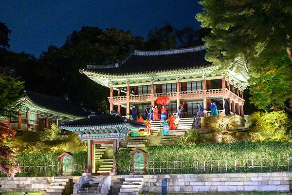 昌徳宮の夜間開放イベント 29日にスタート