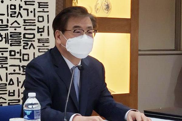 كوريا الجنوبية تعزز التعاون الدولي لاستئناف حوار بيونغ يانغ معها ومع واشنطن