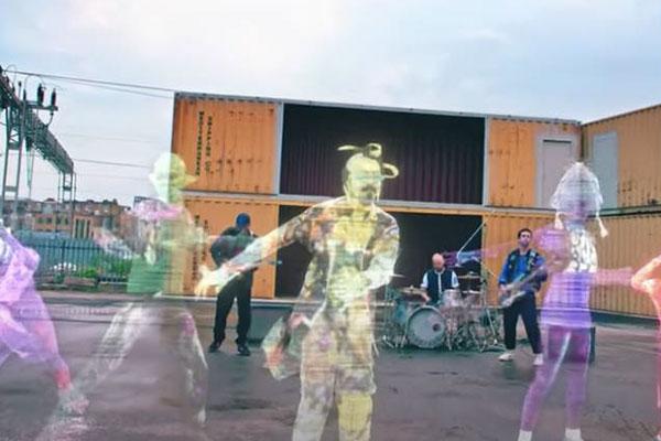 Nhóm nhảy Hàn Quốc xuất hiện trong MV ca khúc mới của ban nhạc nước Anh