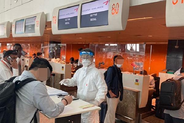 インドでの新型コロナ急拡大受け アシアナ航空と大韓航空が特別便を運航