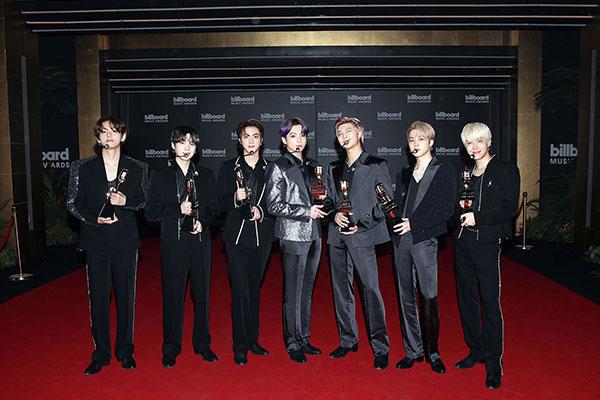 BTS ビルボード・ミュージック・アワードで4冠に