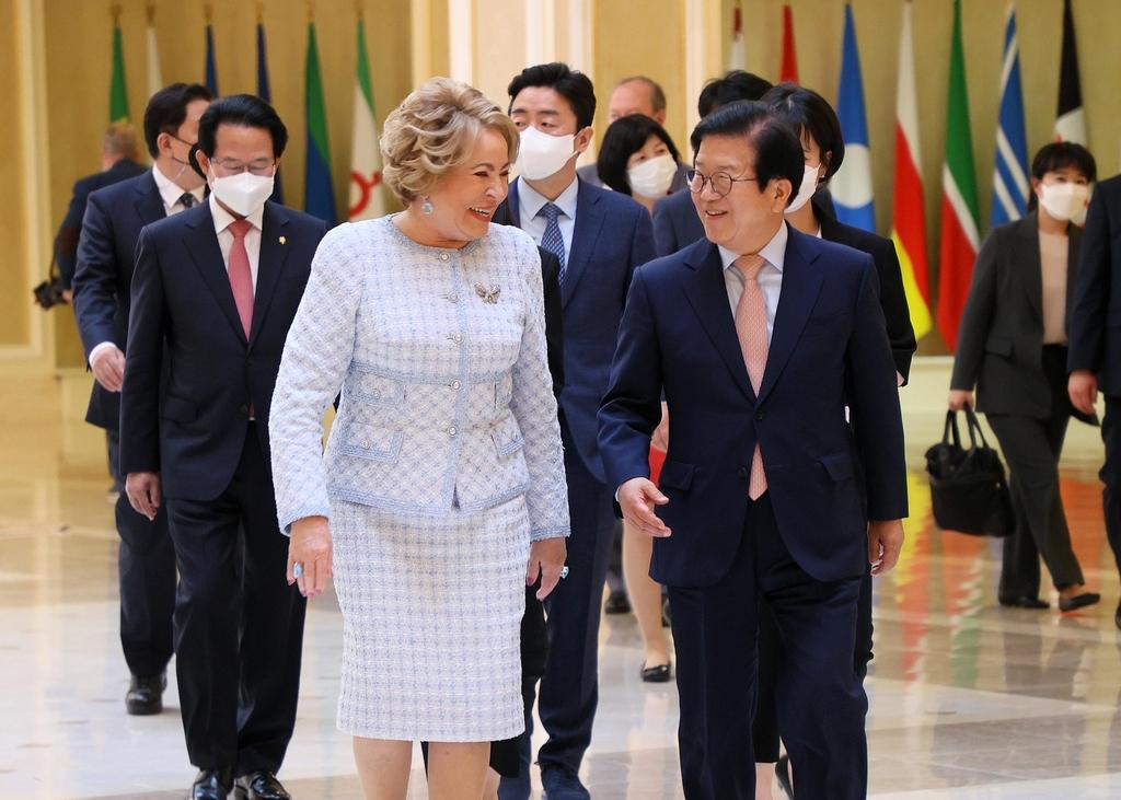 Спикер парламента РК поблагодарил Россию за усилия по мирному урегулированию на Корейском полуострове