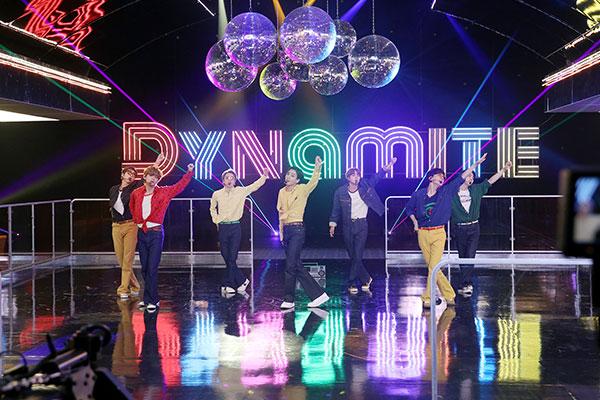 Мегахит группы BTS 'Dynamite' набрал 1,1 млрд просмотров на YouTube
