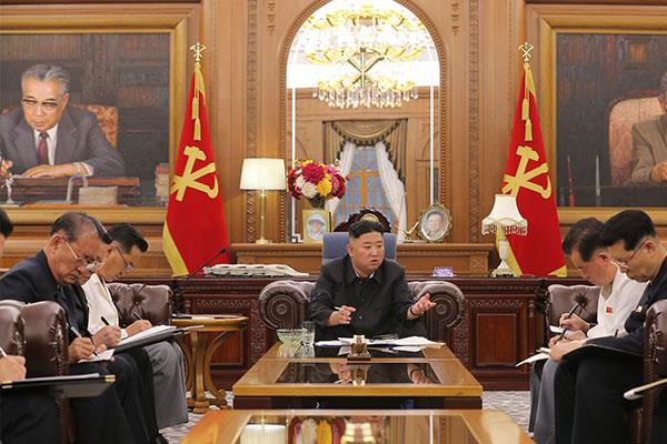 北韩劳动党总书记金正恩主持召开党干部会议