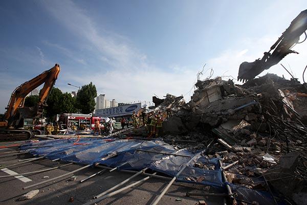 Police Raid HDC HQ as Part of Gwangju Building Collapse Probe