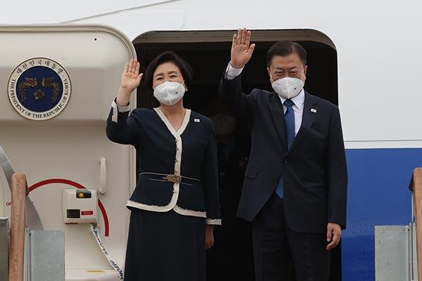 文大統領 G7サミット出席のためイギリスへ出発