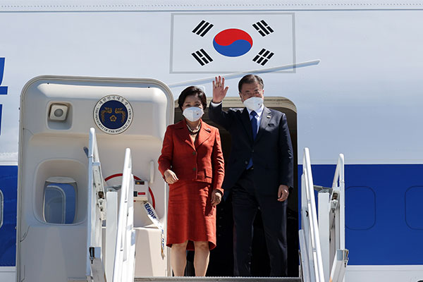 G7首脳会議が閉幕 韓半島の完全な非核化求める共同声明採択