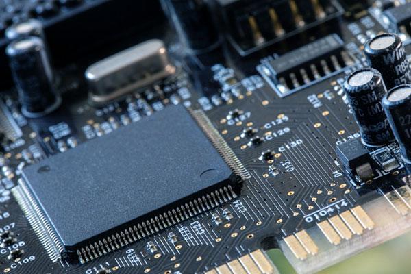 Полупроводники и дисплеи продолжают стимулировать экспорт продукции ICT
