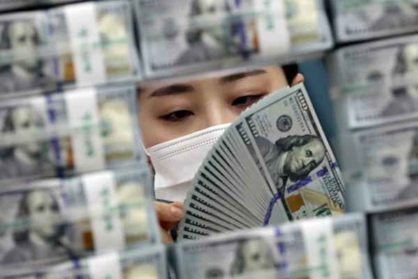 S. Korea's FX Reserves Hit Fresh High in July at over $458 Bln