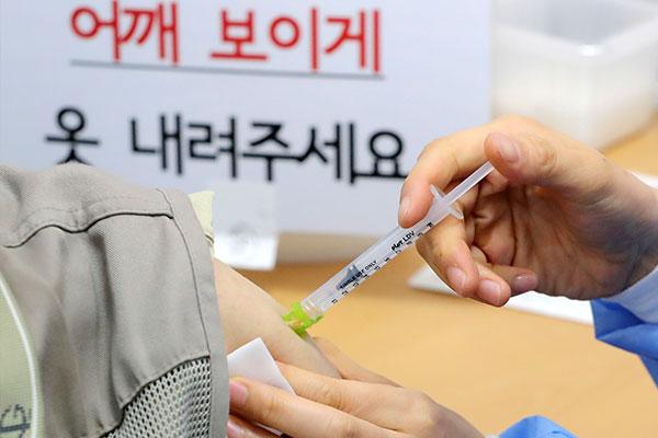 受接种疫苗影响老年新冠危重患者大幅减少