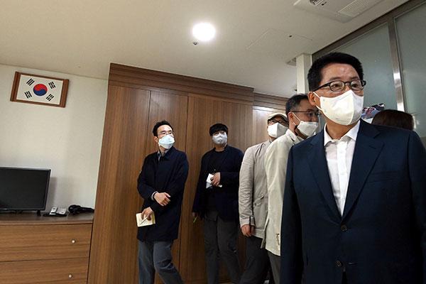Geheimdienstchef entschuldigt sich für Verletzungen von Menschenrechten nordkoreanischer Flüchtlinge