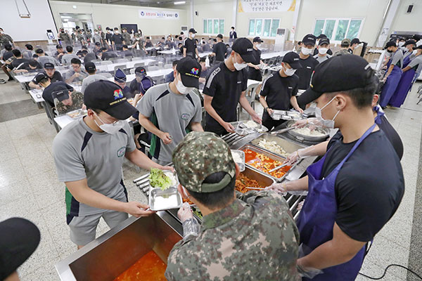 Military to Revamp Meal Provisions for Service Members