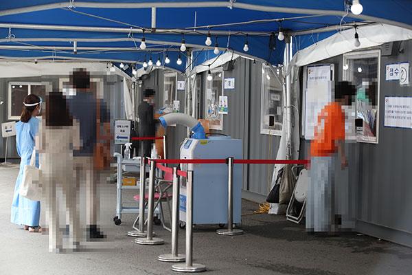韩新增新冠病例连续1周维持在700例以上