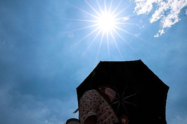 Для Сеула и ряда регионов РК выпущено предупреждение о сильной жаре