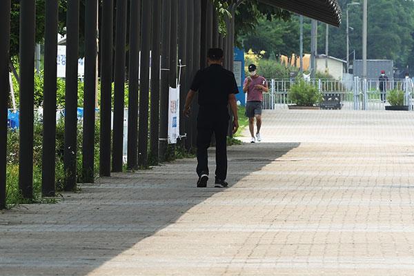 猛暑続く中 全国で熱中症患者発生 気象庁が警戒呼びかけ