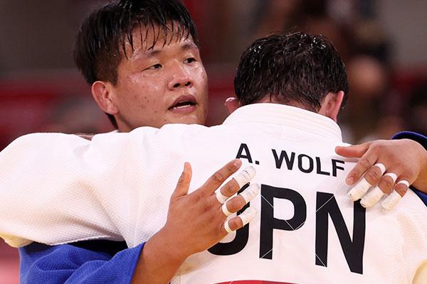 Cho Gu-ham giành huy chương bạc Olympic hạng cân 100 kg nam môn Judo