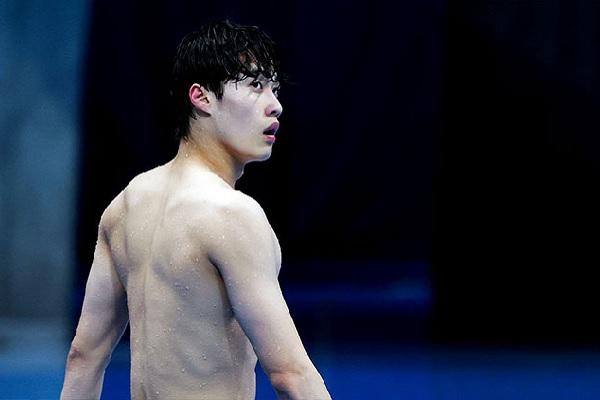 Hwang Sun Woo logra mejor marca asiática de natación en 69 años