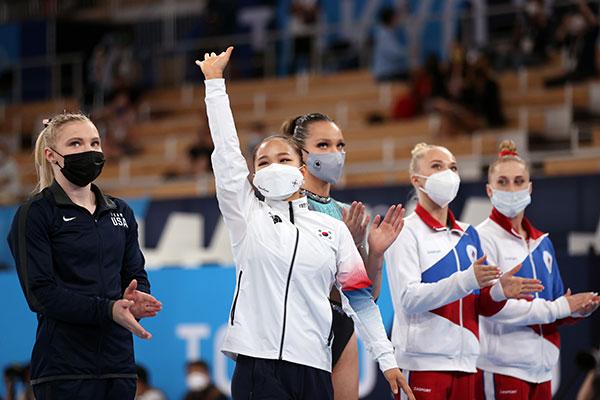 快讯:韩国夺得奥运首枚女子体操项目铜牌