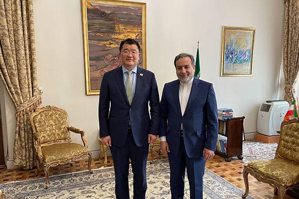 مباحثات بين نائبي وزيري الخارجية الكوري والإيراني