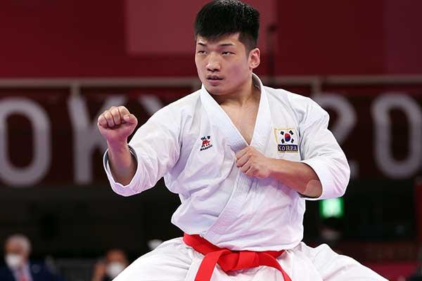 韩空手道选手朴熙俊晋级铜牌赛