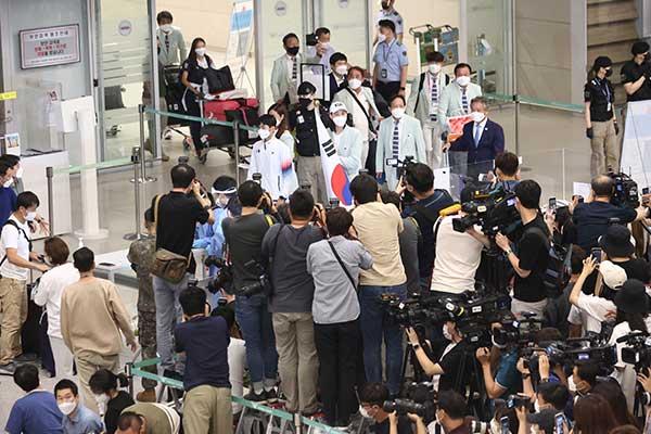 韩国奥运代表团凯旋归来