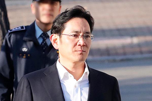 النيابة تطالب بتغريم رئيس سام سونغ لتعاطيه عقار بروبوفول بطريقة غير مشروعة
