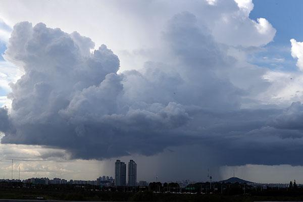 El viernes lloverá en la zona sur y en Jeju