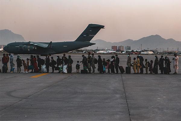韓国政府に協力のアフガン人が韓国到着へ 公務員関連施設で滞在