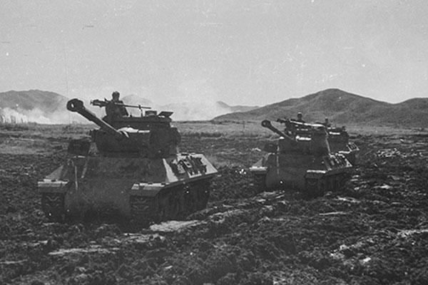 韓国戦争最大の激戦地白馬高地で遺骨収拾収拾作業始まる
