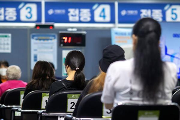 韩本周第一剂疫苗接种率有望突破70% 13日起实施中秋特别防疫对策