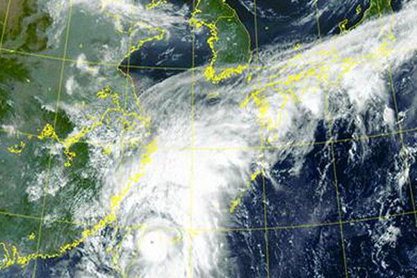Météo : le typhon Chanthu engendre des précipitations dans le sud du pays