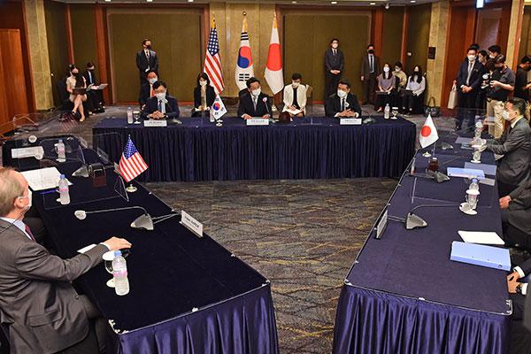 مباحثات بين وزراء خارجية كوريا والولايات المتحدة واليابان في نيويورك