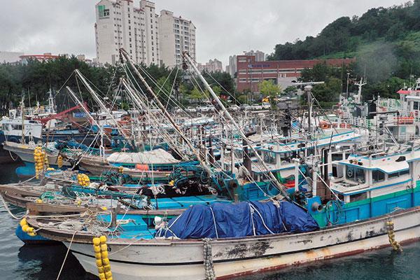 Jueves nublado y con lluvia por influencia del tifón