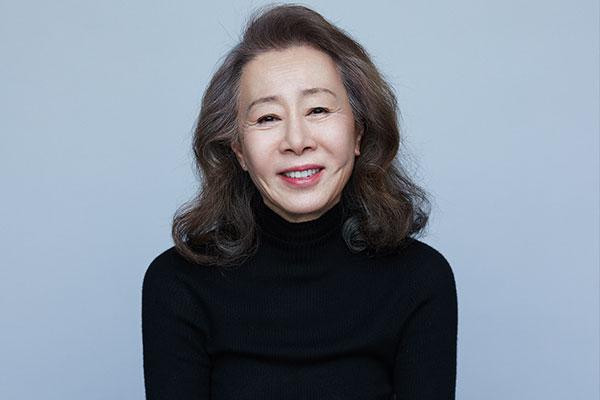 Aktris Korsel Youn Yuh-jung Masuk Daftar 100 Orang Paling Berpengaruh 2021 Versi Time