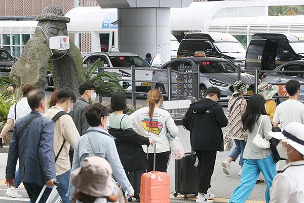 Behörden wegen Touristenzustrom auf Jeju während Chuseok-Feiertagen alarmiert