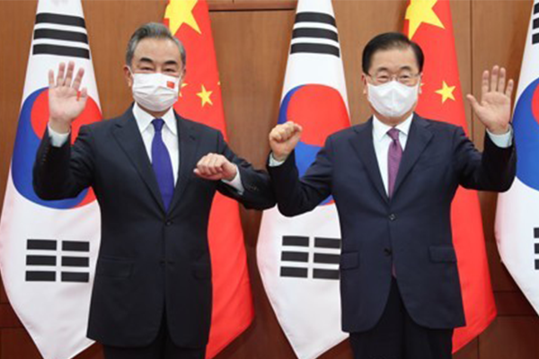 Chinese FM: Hope for Korean Peace Not to be Abandoned