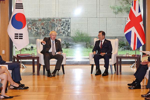 Президент РК встретился с главами Великобритании и Словении