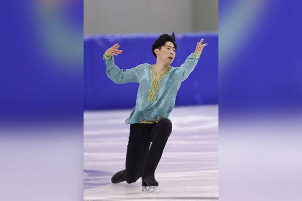 Eiskunstläufer Lee Si-hyeong beendet bei Nebelhorn Trophy Kurzprogramm auf Platz sieben