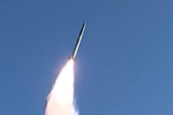Pyongyang confirma lanzamiento de misil submarino